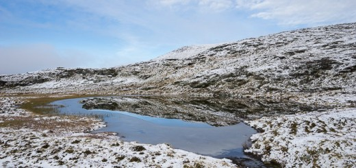 The tarn between the Skarven peaks. I was here at midsummer and there was still some ice left, and snow on the mountains. Feels like the circle has closed!
