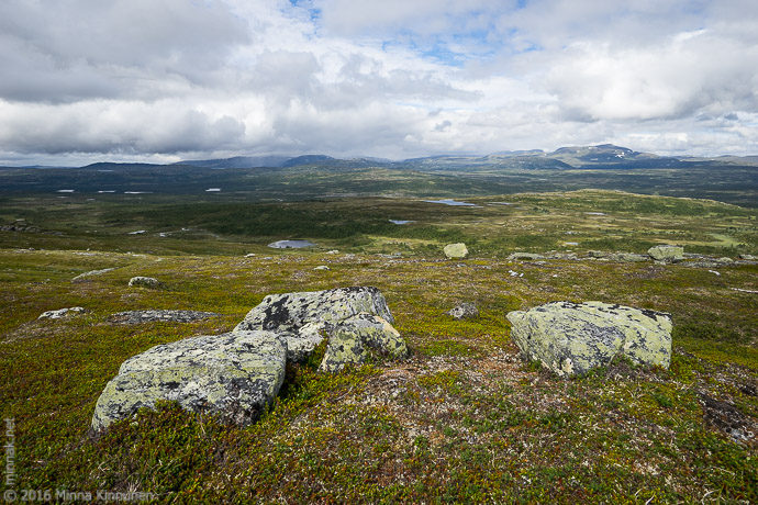 View from the top, it's raining on Skardsfjella